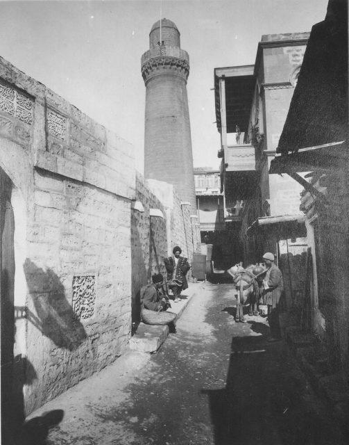 Dark row - Old Muslim Quarters of Baku