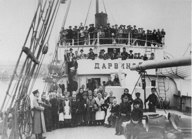 Darwin - Steamer, Caspian Sea