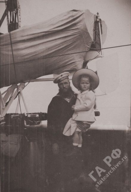 Family of Nicholas II. In traveling on a yacht the Standard 1899-1900.