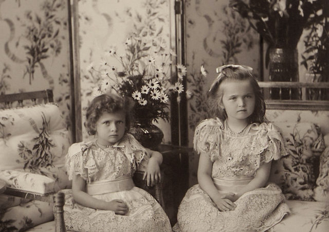 Grand Duchesses Tatiana and Olga. 1900.