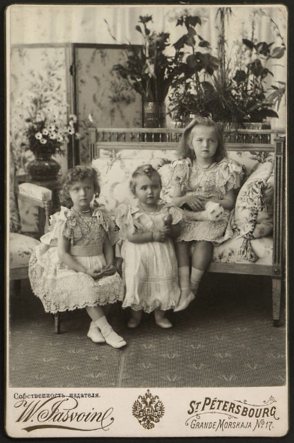 Grand Duchesses Tatiana , Maria, Olga. 1900.