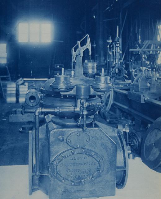 Lloyd Engineering Company Display #8206
