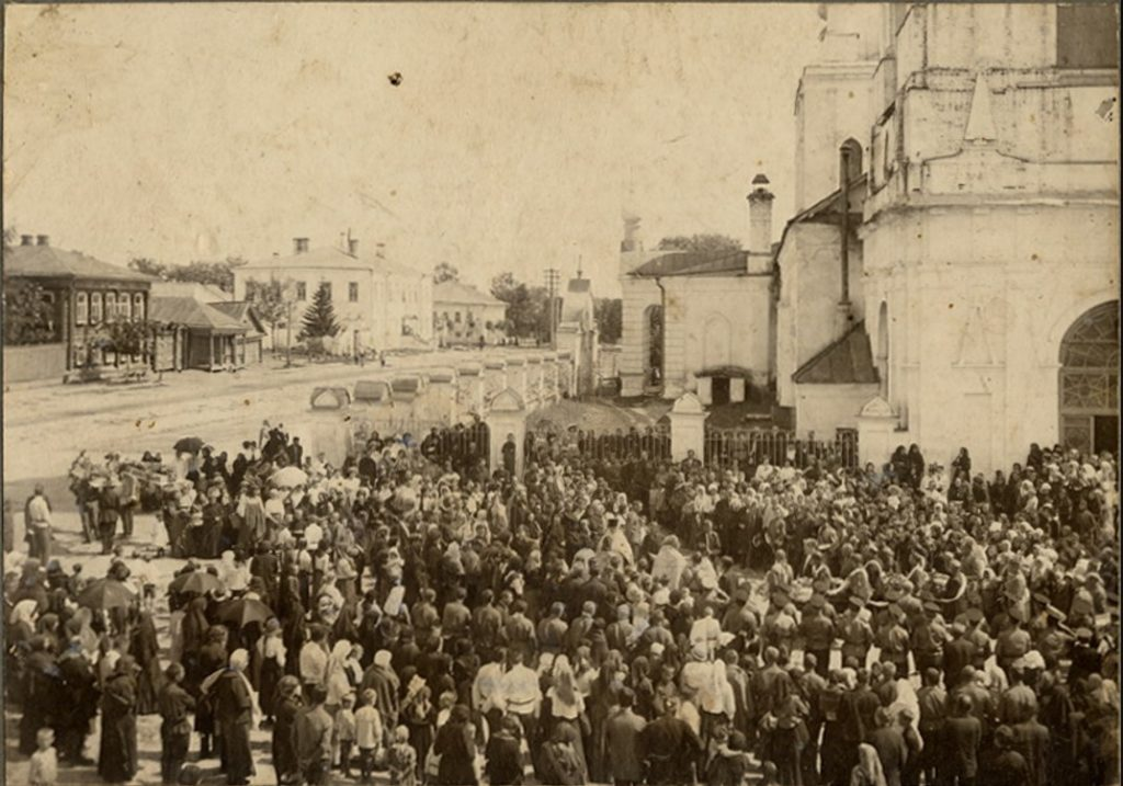Murom, Funeral procession at the Ascension church. 1900.