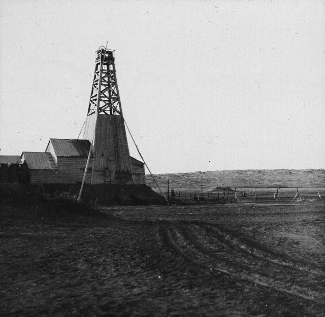 Oil rig. Baku.