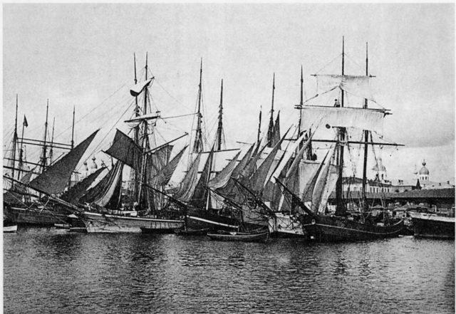 Port of Arkhangelsk (Archangel) on White sea, sailing ships