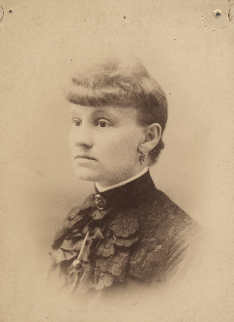 Portrait of Mrs James Robinson, date unknown