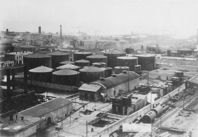 Refinery. Baku, 1900