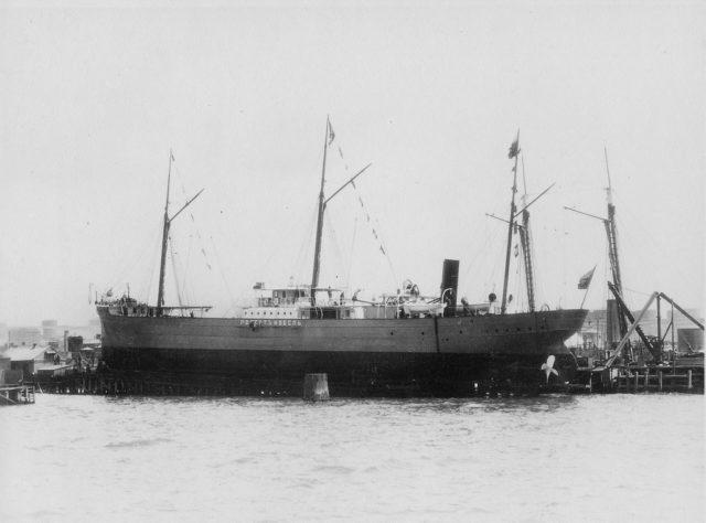 Steamship Robert Nobel. Baku dock.
