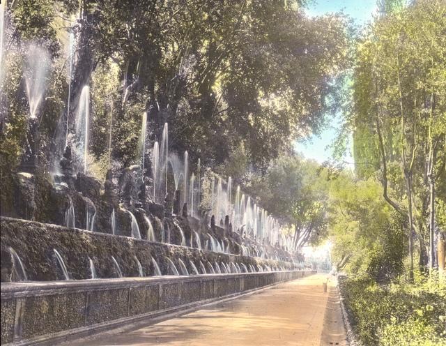 Villa d'Este, Tivoli – 1000 fountains allee