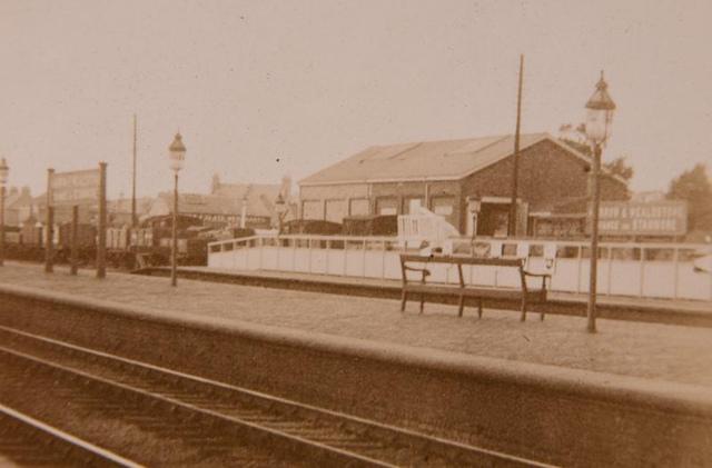 Vintage Railway Album: 4 (detail) - Harrow & Wealdstone station
