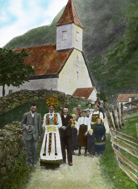 Wedding procession, Eidfjord church, ca 1915.