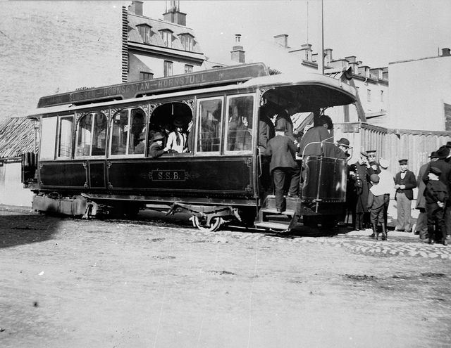 Steam tram with passengers in Stockholm 1901