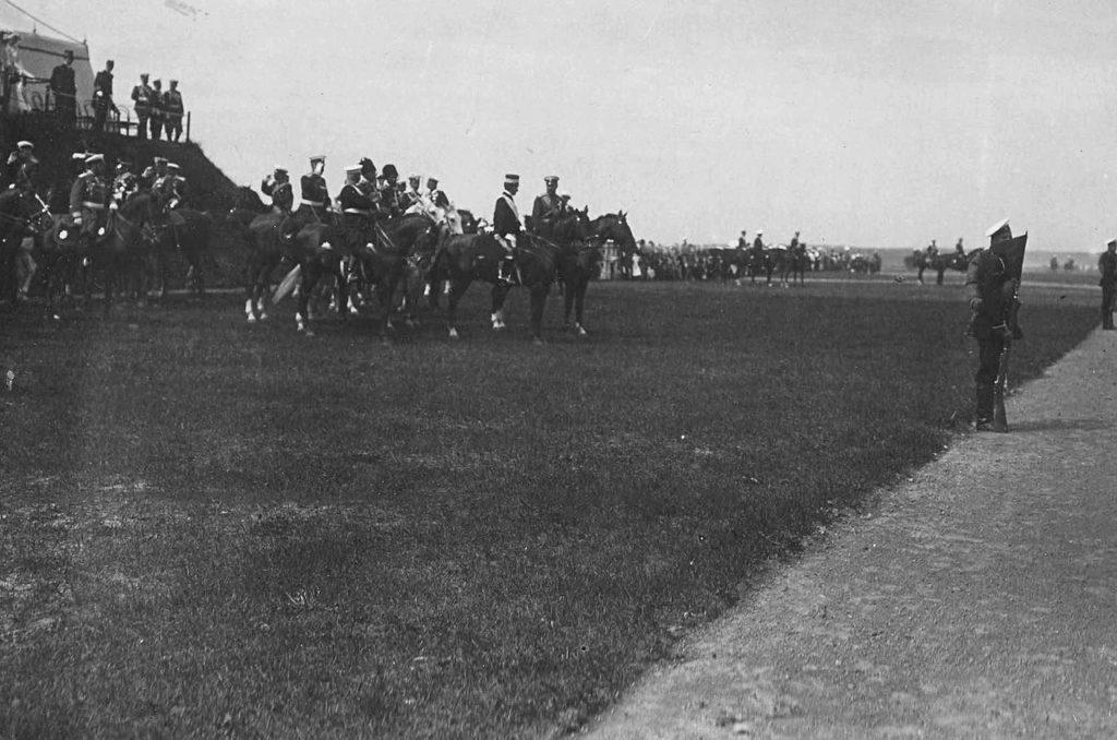 Parade - Italian King Victor Emmanuel III in Russia, 1902.