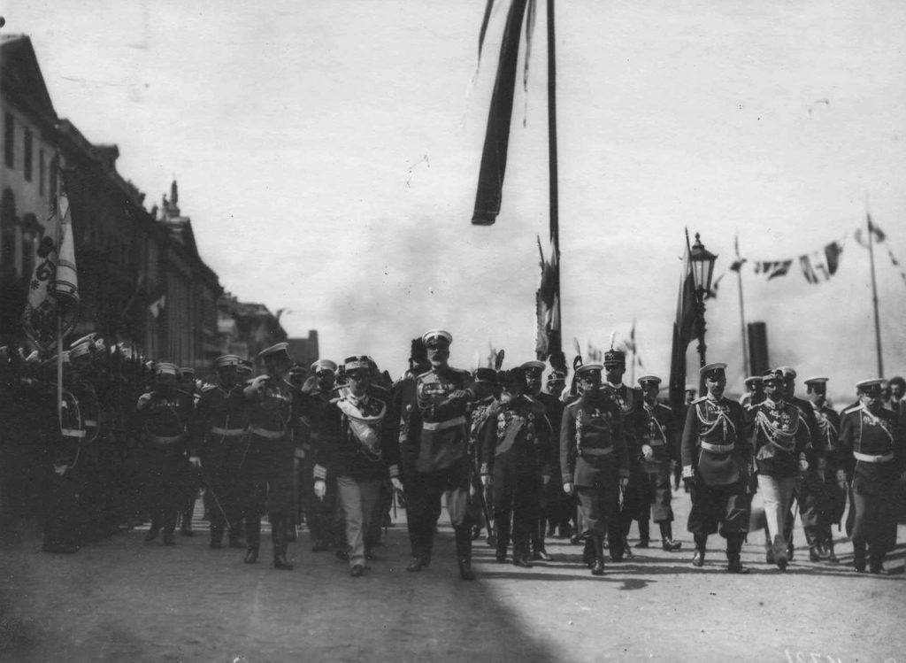 Italian King Victor Emmanuel III embarks in Russia, 1902.