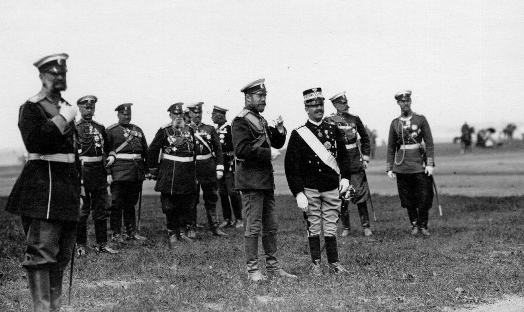 Nicholas II talking to Italian King Victor Emmanuel III, Russia, 1902.