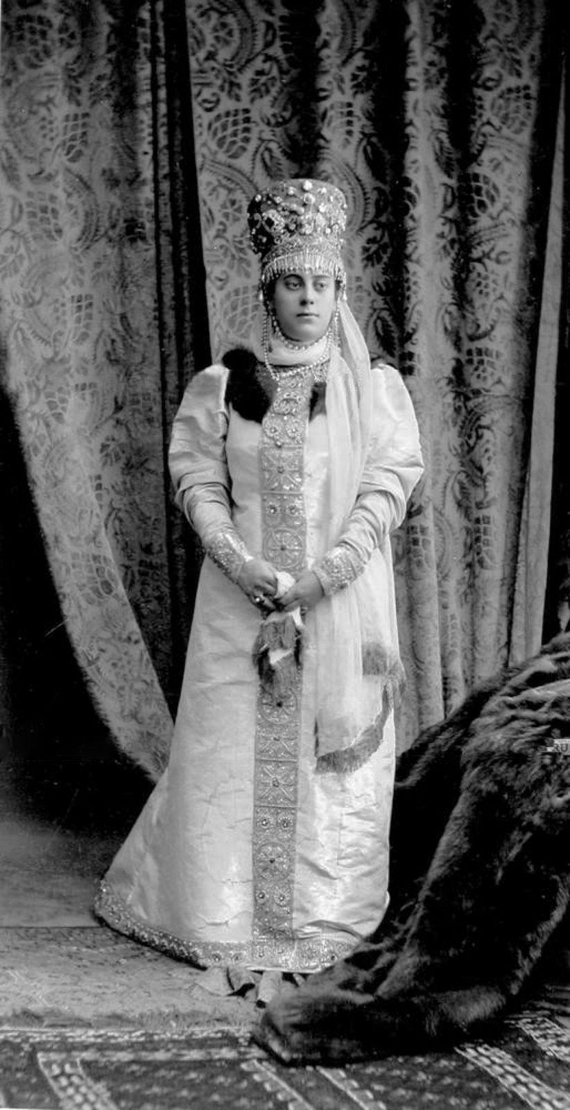 Countess Mariya Mikhailovna Orlova-Davydova, born Zografo (Boyarynya of the XVII century)