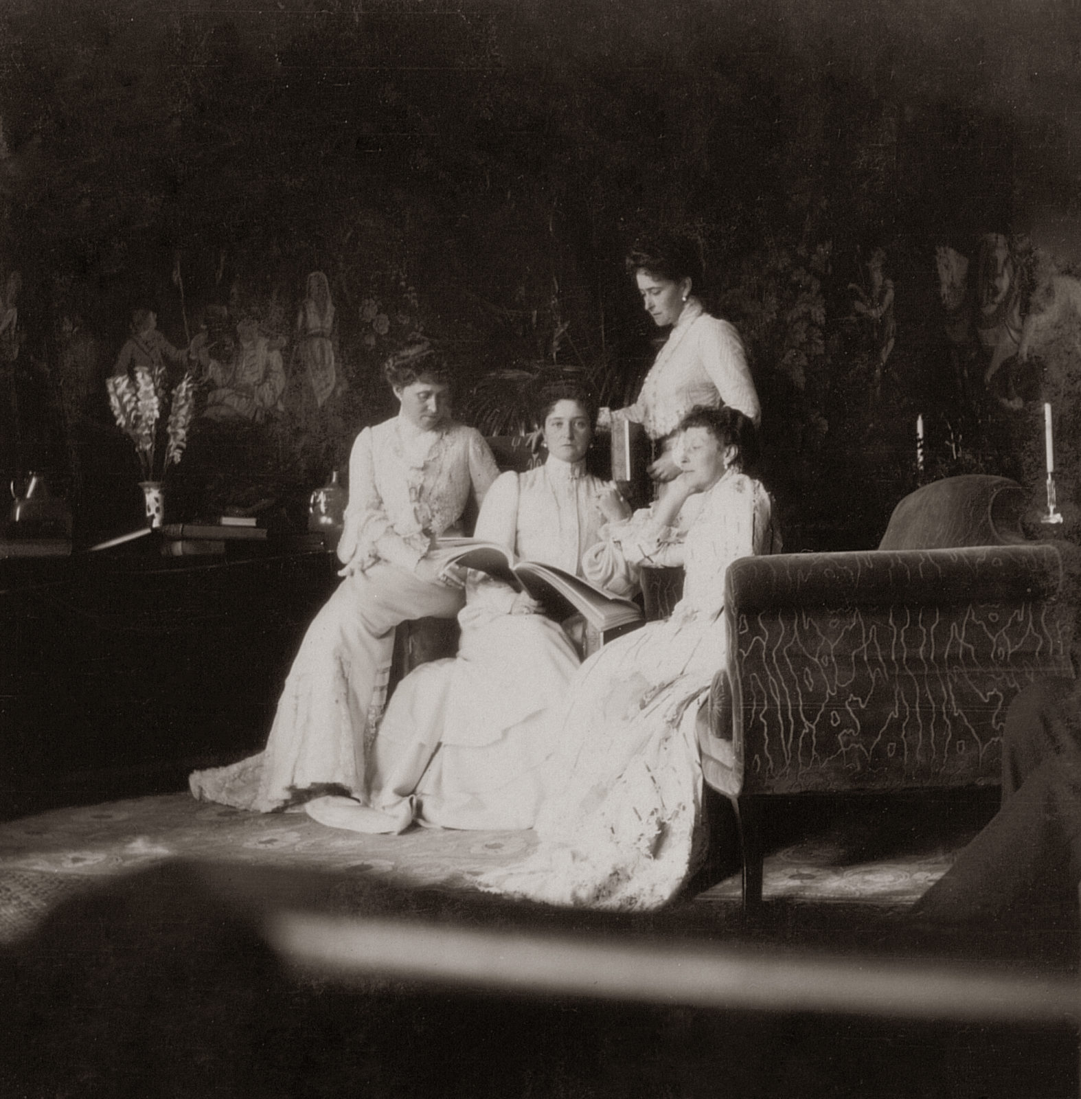 Empress Alexandra Feodorovna with sisters . 1903.