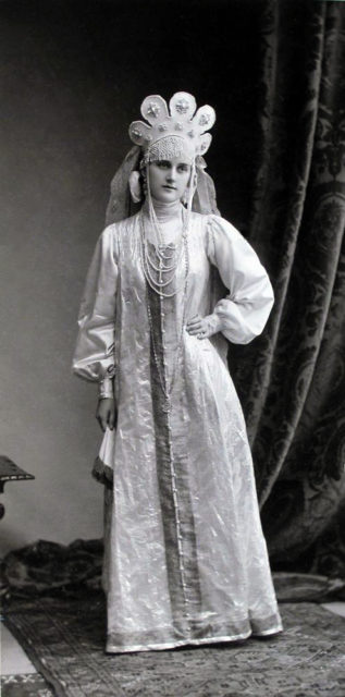 Princess E.V. Baryatinskaya (Maid of Honour) at the Winter Palace Costume Ball of 1903..La Princesse Elisabeth Bariatinsky