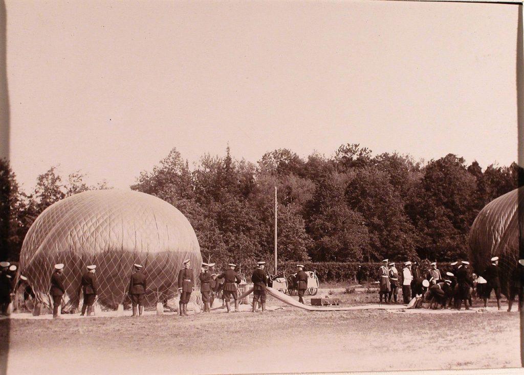 Nicholas II at aeronautical park. June 19, 1904