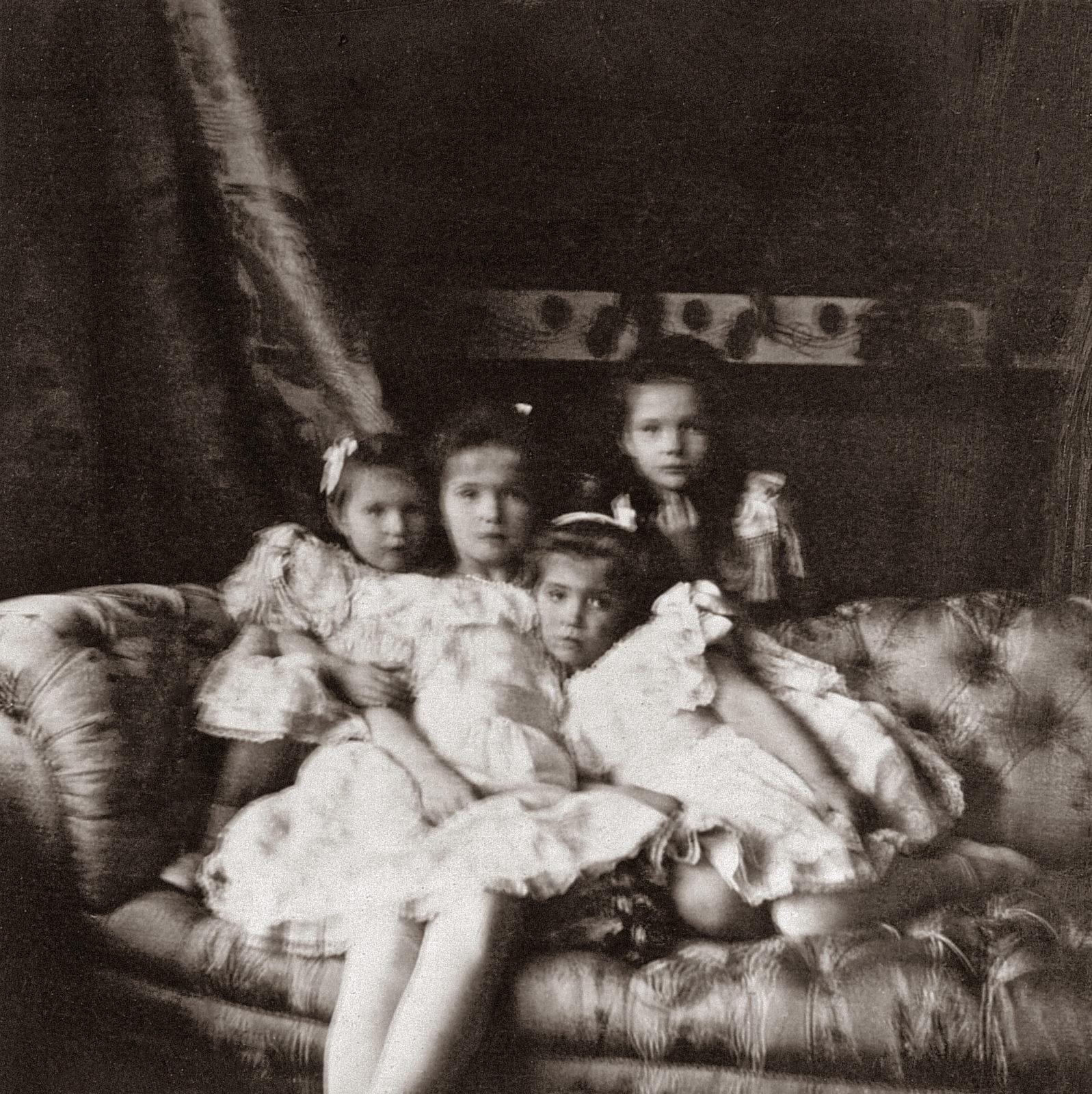 The Grand Duchesses Olga, Tatiana, Maria and Anastasia. Daughters of Emperor Nicholas II and Empress Alexandra Feodorovna. Photo of 1904.