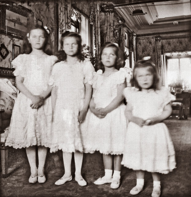The Grand Duchesses Olga, Tatiana, Maria and Anastasia. Daughters of Emperor Nicholas II and Empress Alexandra Feodorovna. Photo of 1904.