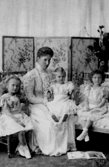 Alexandra Feodorovna with Olga, Tatiana, and Maria