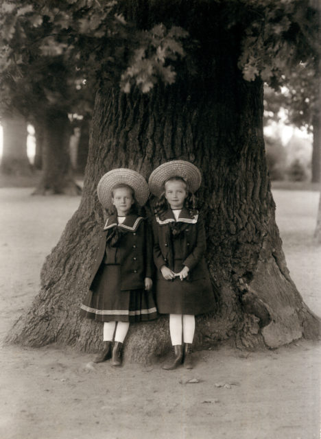 Grand Duchesses Tatiana and Olga.