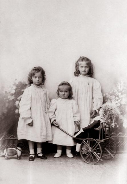 Grand Duchesses Tatiana,Maria,Olga.