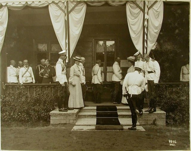 The Romanovs at the dacha of Prince Oldenburg in Peterhof.