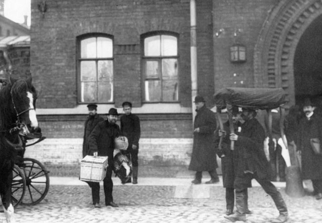 Deputies of the First State Duma, sentenced to 3 months in prison for signing the Vyborg proclamation, at the gates of the prison.