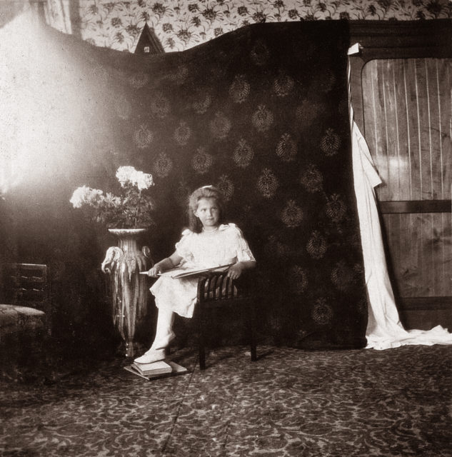 Grand Duchess Maria Nikolaevna. The third daughter of Emperor Nicholas II and Empress Alexandra Feodorovna. At home. Photo of 1906.