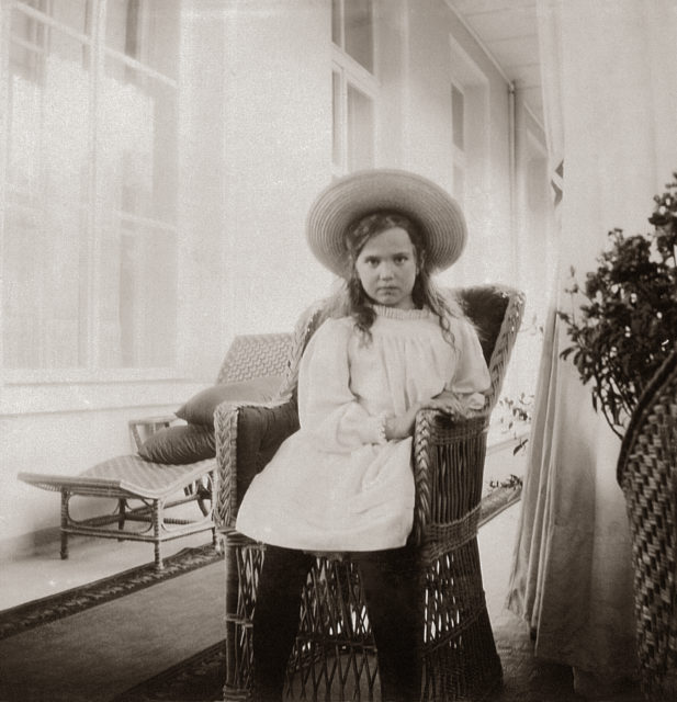 Grand Duchess Maria Nikolaevna. The third daughter of Emperor Nicholas II and Empress Alexandra Feodorovna. At home. Photo of 1906