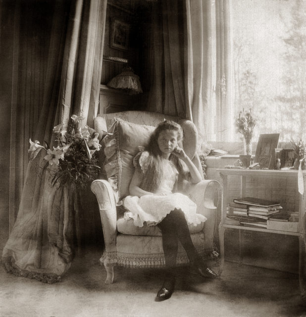 Grand Duchess Olga Nikolaevna. The first daughter of Emperor Nicholas II and Empress Alexandra Feodorovna. At home. Photo of 1906 year.