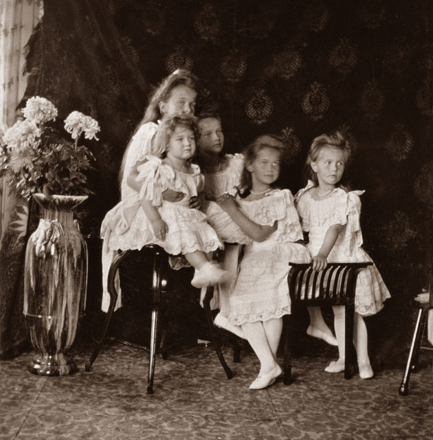 The Tsarevich Alexei and Grand Princesses Olga, Tatiana, Maria and Anastasia. Children of Emperor Nicholas II and Empress Alexandra Feodorovna. Photo of 1906.