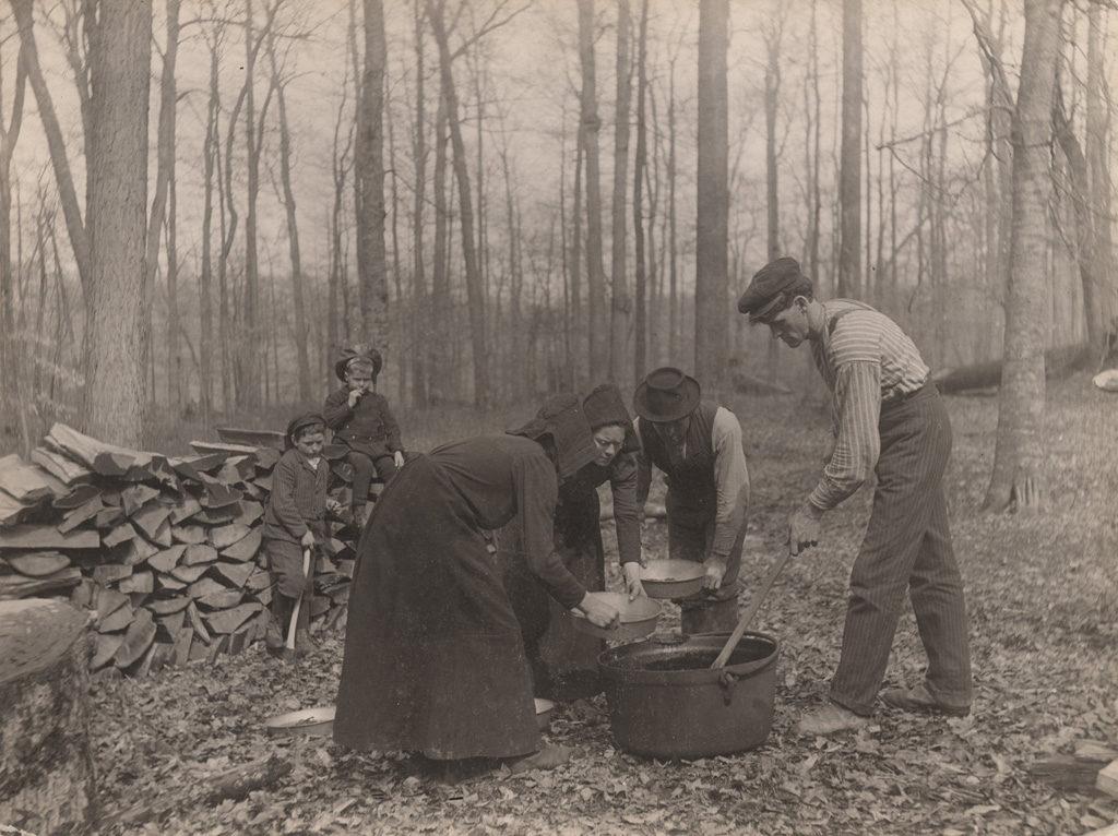 Making sugar, 1907