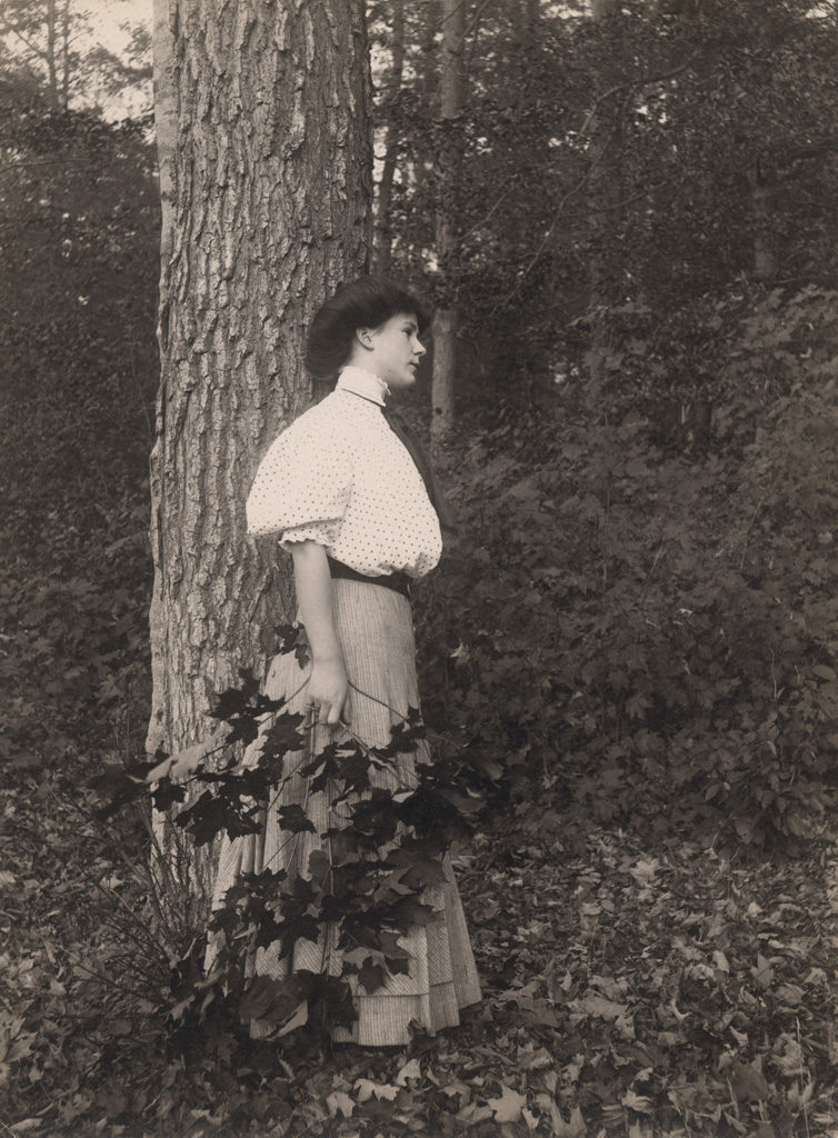 Portrait of woman outdoors, 1908
