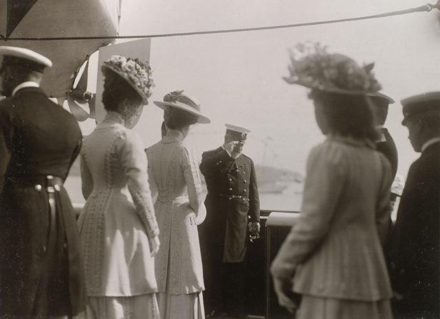 Nicholas II meets King Edward VII