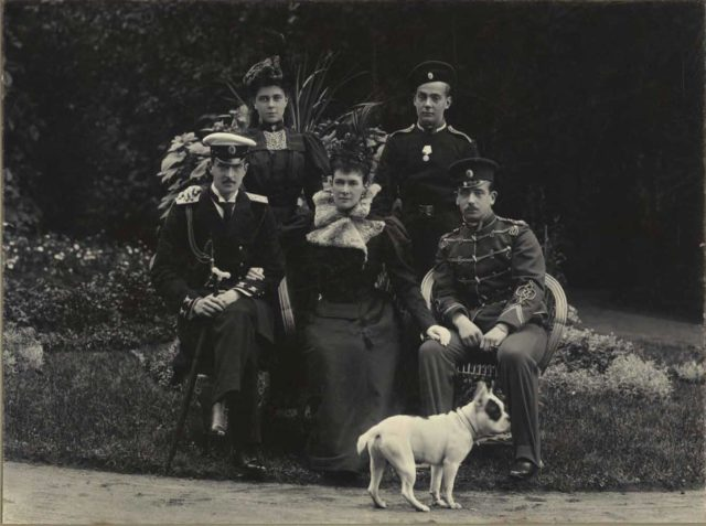 Grand Duchess Maria Pavlovna with children Kirill Vladimirovich, Boris Vladimirovich, Elena Vladimirovna and Andrey Vladimirovich.