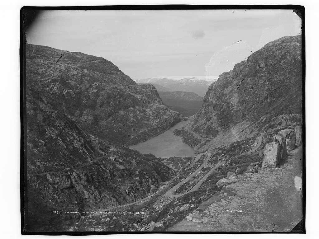 Hardanger, udsigt over Folgefonden fra Gårssvingerne - NB MS G4 0773