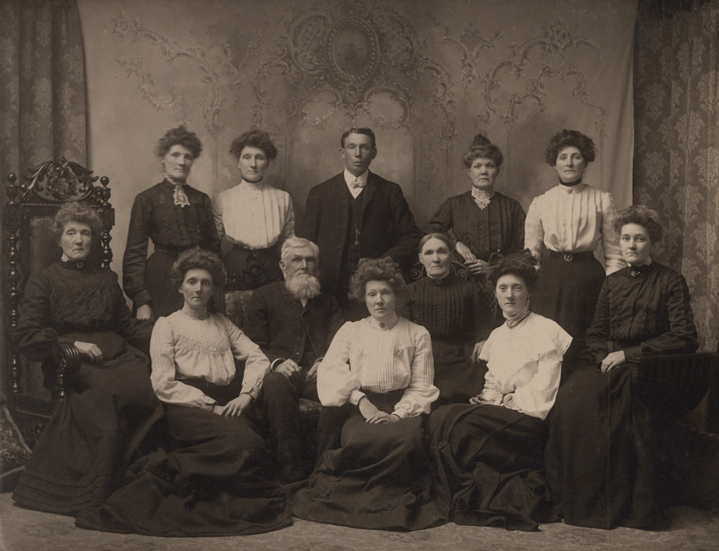 Mr. & Mrs. Elliott and family, date unknown