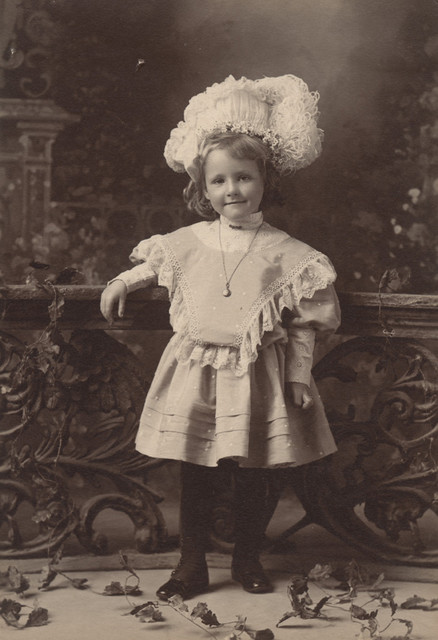 Portrait of Eleanore Coombs Miller, aged 4, date unknown
