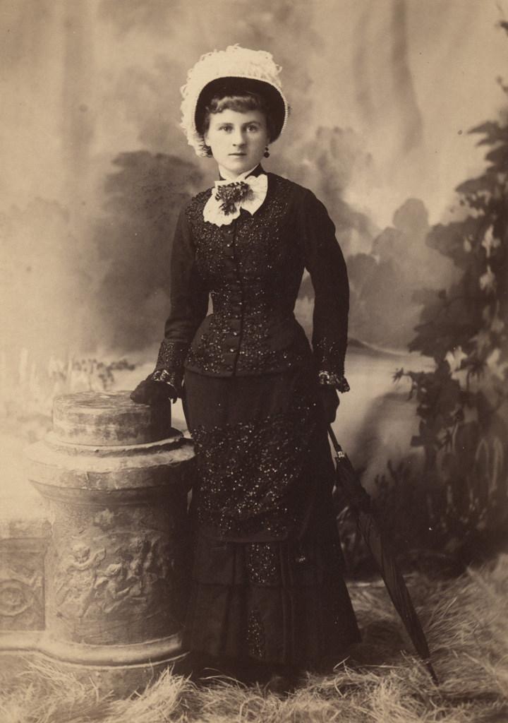 Portrait of Elizabeth Sallows Brophy at eighteen, date unknown
