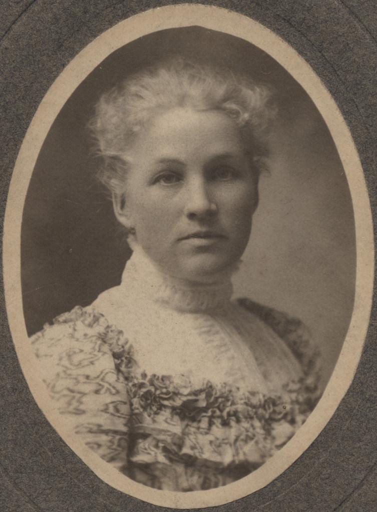 Портрет молодой женщины, 1900 год