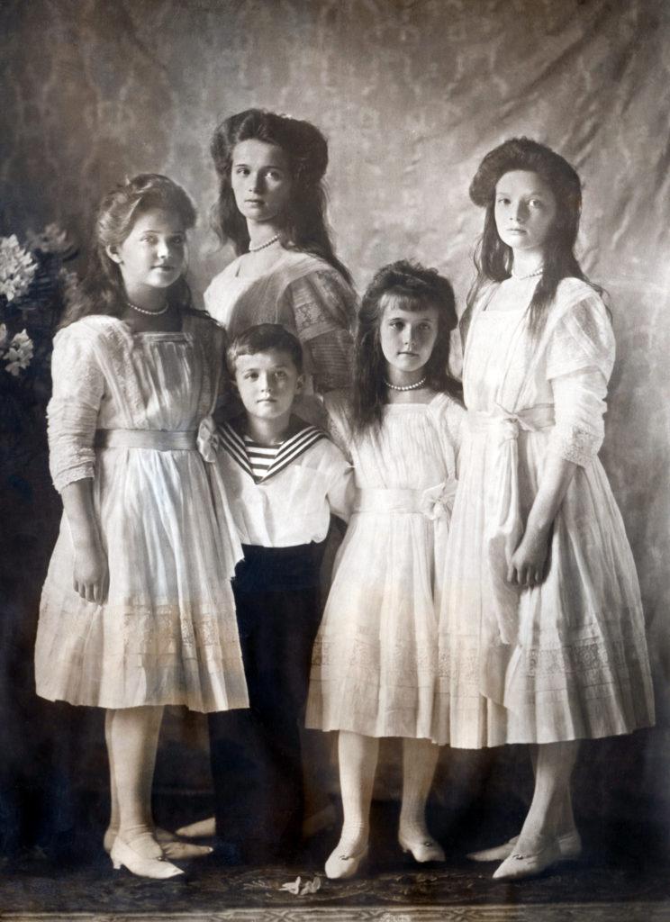 The Tsarevich Alexei and Grand Princesses Olga, Tatiana, Maria and Anastasia. Children of Emperor Nicholas II and Empress Alexandra Feodorovna. Photo of 1910.