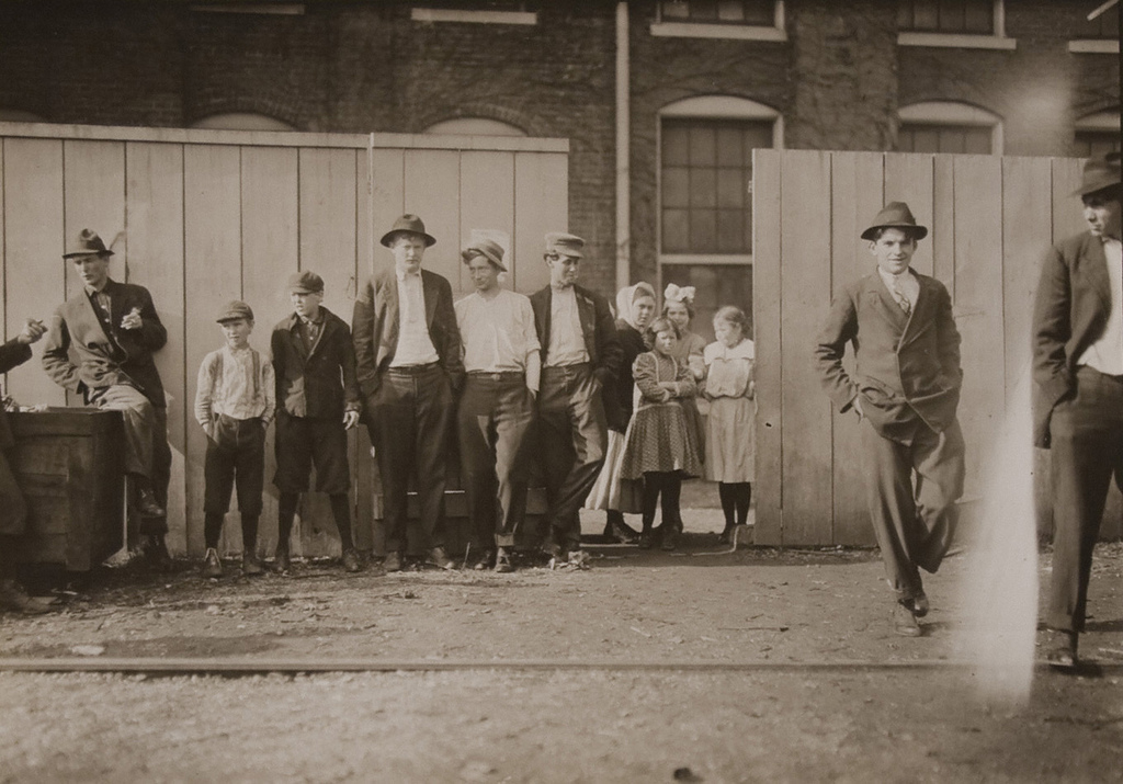 Workers in Richmond Hosiery Mills, Rossville, GA - Dec.