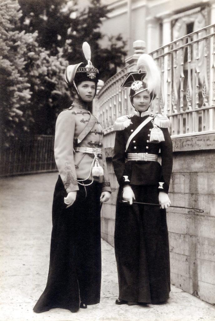 Grand Duchesses Tatiana, in the 8th Voznesensky Regiment uniform, and Olga in 3rd Hussar Elisavetgrad Regiment military uniform. 1911