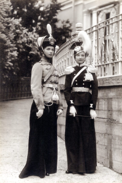 Grand Duchesses Tatiana, in the 8th Voznesensky Regiment uniform, and Olga in 3rd Hussar Elisavetgrad Regiment military uniform. 1911