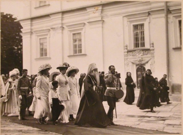 Nicholas II and members of the imperial family in Kiev at the opening of the monument to Emperor Alexander II. 1911