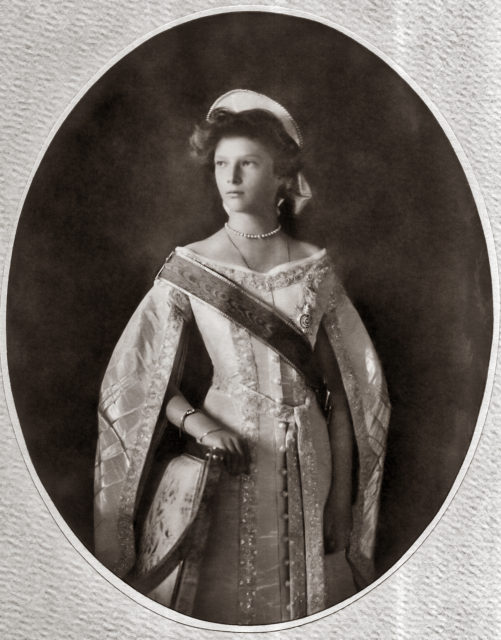 Tatiana Nikolaevna. The second daughter of Emperor Nicholas II and Empress Alexandra Feodorovna. Official portrait. Photo of 1911.