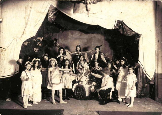 Amateur theater in the Murom Women's Gymnasium. Murom, 1910 - 1912.